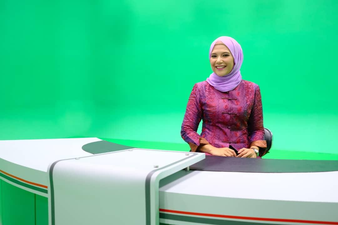 UTAR alumna Malaysia's first Malay newscaster for Mandarin news