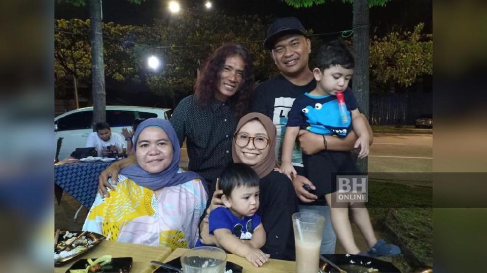 Noor Hidayah terpanggil bertemu ayahnya, To'ki dan isterinya, Sharifah Fairuz Syed Yusof selepas membaca teguran dan komen netizen.