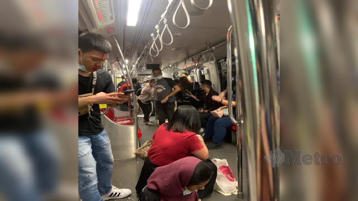 KEADAAN di dalam LRT. FOTO Ihsan Pembaca